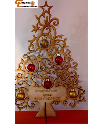 Drewniana choinka ze szklanymi bombkami dekoracja świąteczna